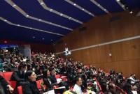 安邦CEO吴小晖哈佛激情演讲 5万月薪抢人