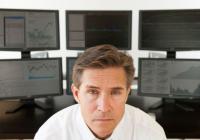 华尔街交易员收入为何高? 拥有不为对手工作的溢价