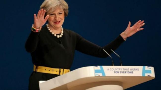 """英国女首相宣布脱欧时间表 要""""大展拳脚"""""""
