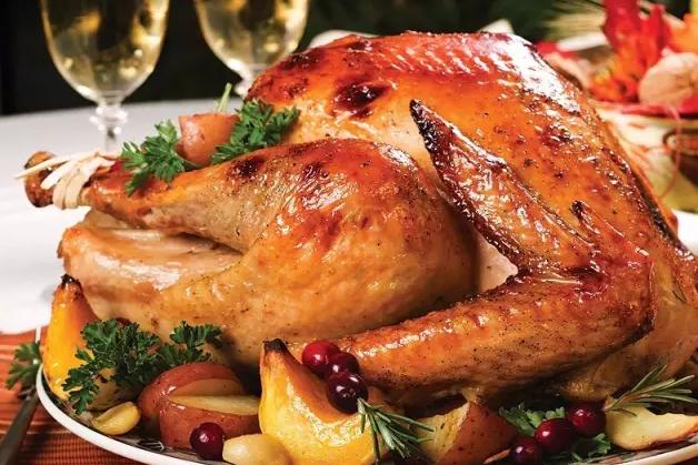 奥巴马和特朗普的感恩节:工作和大餐两不误