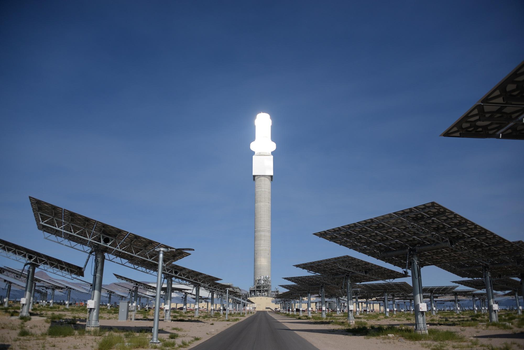 特斯拉在夏威夷建太阳能发电厂 可储存白天电力供晚上使用