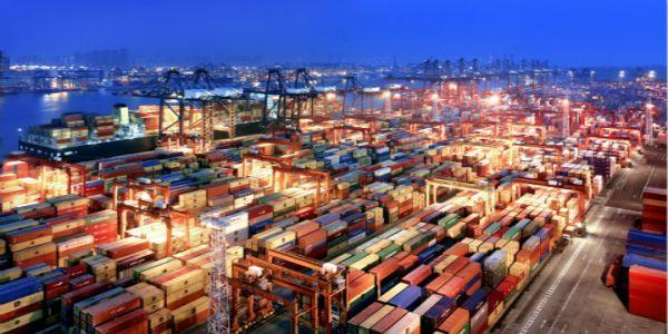 中国2月进口同比暴涨45% 贸易帐意外现逆差