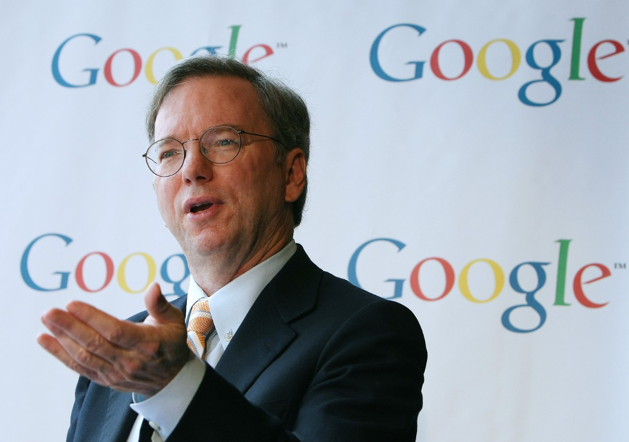 Google billionaire Eric Schmidt: Don't try to beat the market